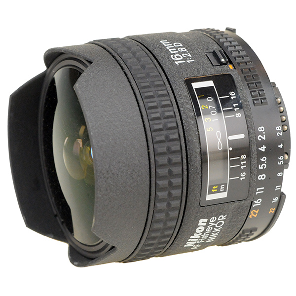 NIKON 16 MM f/2.8 - fisheye